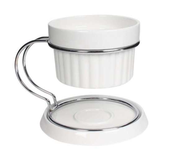 16. Porcelain fondue with stand from Gourdo's (PHP 400)