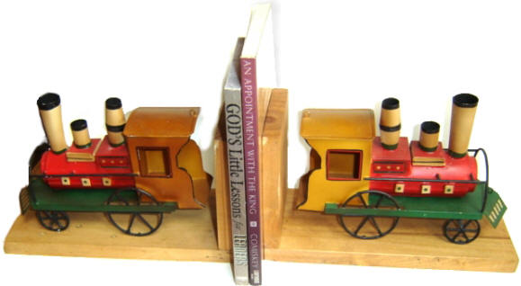 19. Train bookends from Papemelroti (PHP 398)