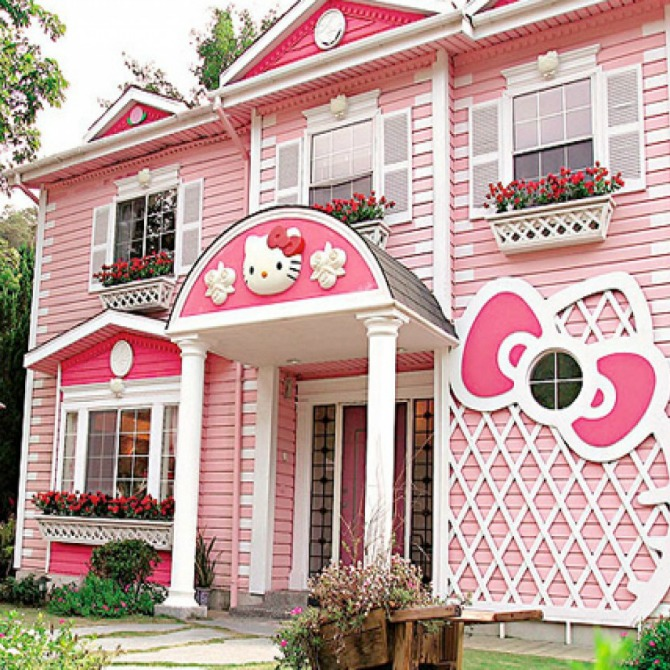 Behold, the dream house of every Hello Kitty fan who ever lived!