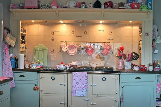 Even your kitchen can be used to show your love for Hello Kitty! Trade in the usual brown and black for cool pastel hues