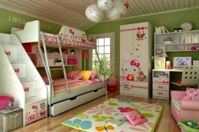 Why not balance out the pink with shades of green? This is perfect for older kids who still can't outgrow their love for Hello Kitty!