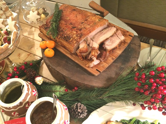 Holiday Hack #2: Extend the  décor to the buffet table