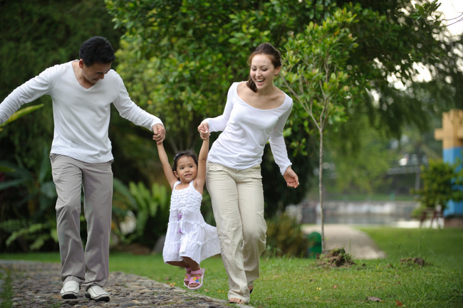 Dating tips for single parents: Introducing your partner to your kids