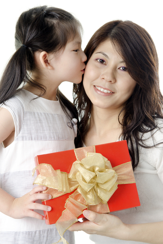Christmas gift guide: Top 10 gifts for moms in the Philippines