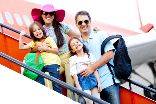 10 stay-safe tips for traveling and flying with kids