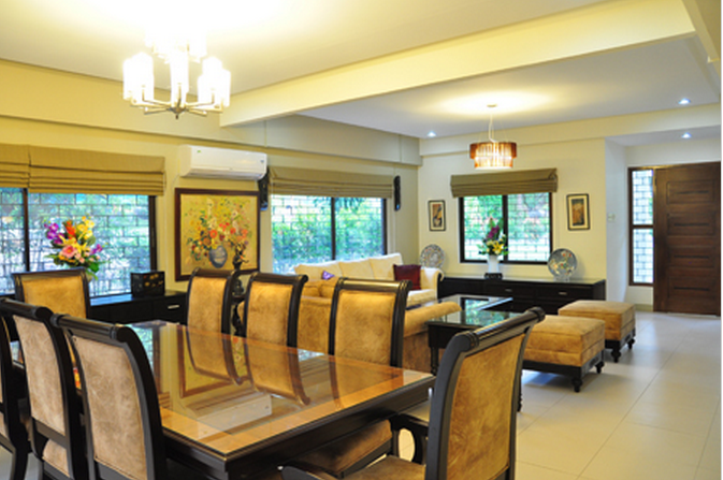 Subic Vacation House and Gallery