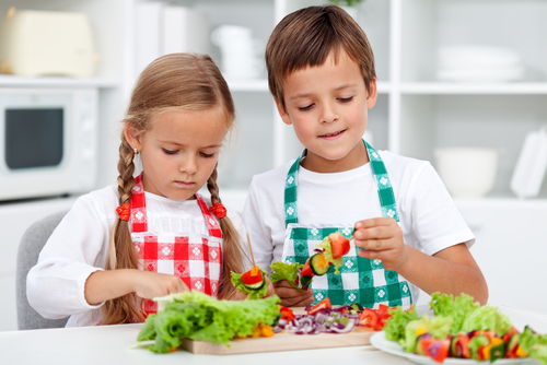 6 must-know steps to raising healthy eaters