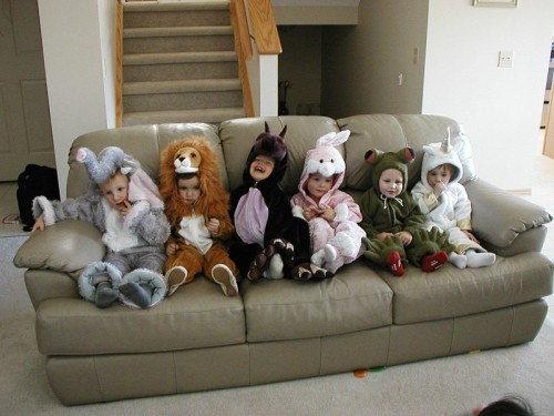 800px Evan and friends at halloween e1366368561419 Kids Halloween Costumes in Singapore   List