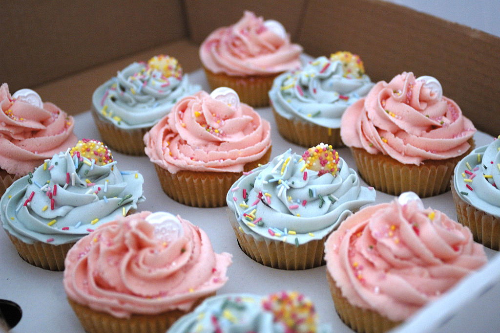Gallery 1 1 Wife arrested for attacking hubby with cupcakes