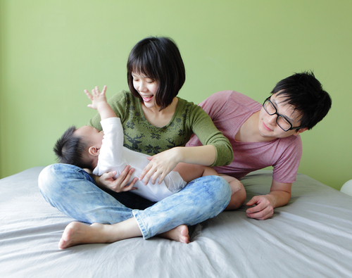 How a first time father can support his wife