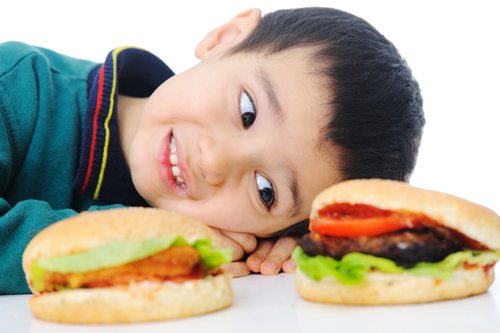 How to get your child to eat healthy in fast food restaurants?