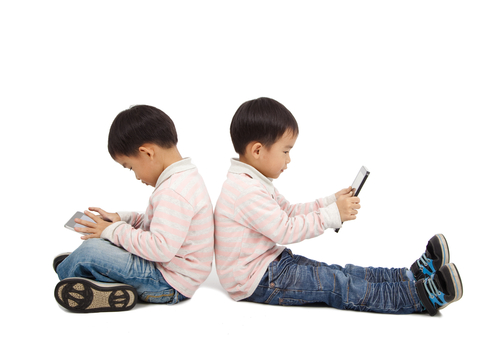 shutterstock 90625957 Boy, 6, unknowingly spent $4000 on iPad game!