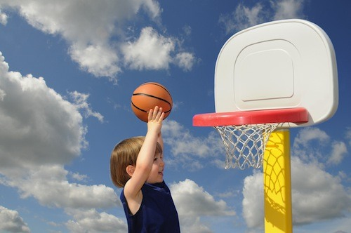 """Let your toddler practise """"throwing things"""" — like a basketball!"""