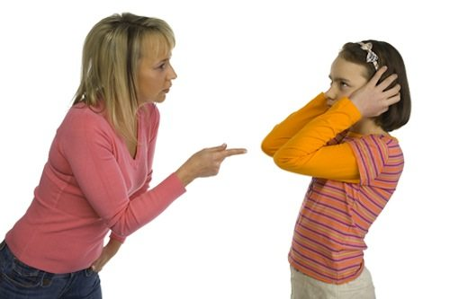momanddaughter How to discipline your child without making him resent you