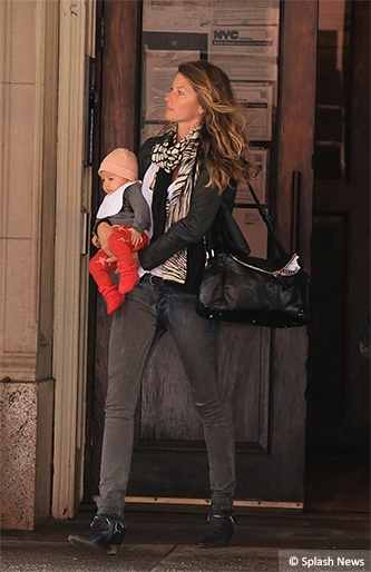 EXCLUSIVE: Gisele Bündchen leaves a office building with her daughter Vivian Lake, midtown NYC