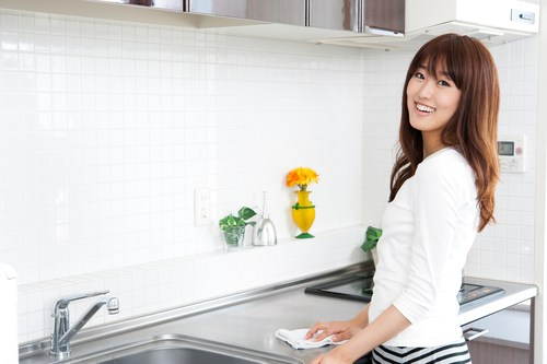 10 tips for a greener clean