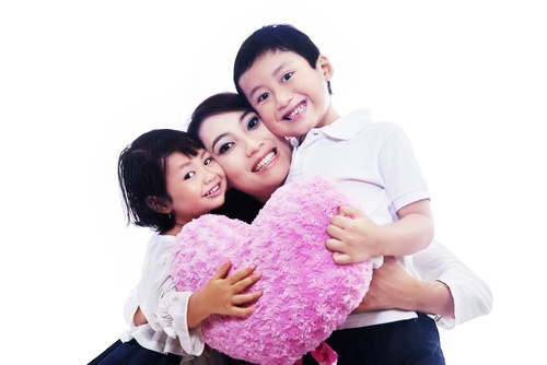 Importance of a mother's love – it can make kids smarter!