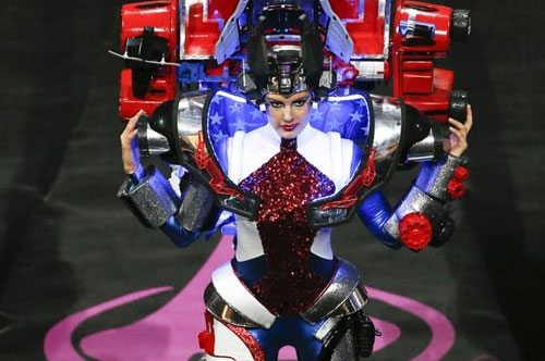 9 outrageous Miss Universe costumes!