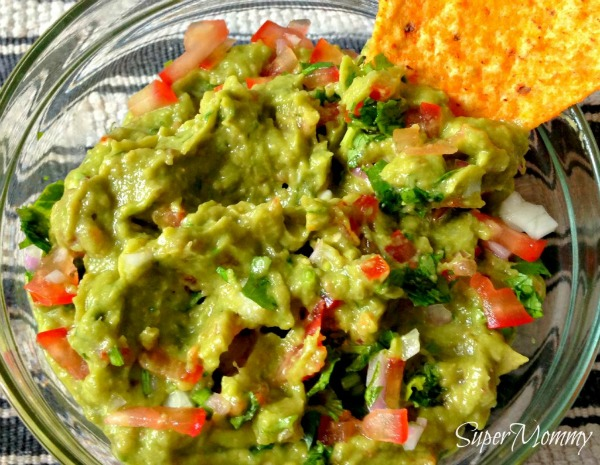 src=https://sg.theasianparent.com/wp content/uploads/2015/03/71 1024x793.jpg This chunky guacamole recipe makes the perfect, healthy party snack!