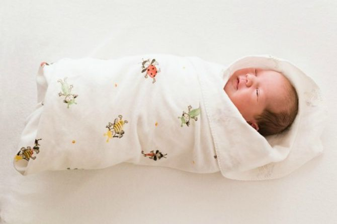 Malay customs for baby, Melayu, Baby, tradition, customs, culture, cultural, swaddle, swaddling, bedung, SIDS