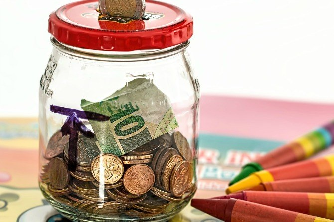 piggy bank 968302 1280 2 3 Steps to motivate your child to save money through the OCBC Mighty Savers® Programme