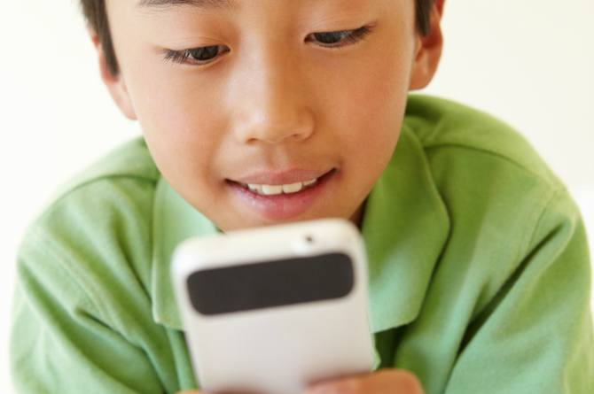 The best age to give your child a smart phone, according to Bill Gates