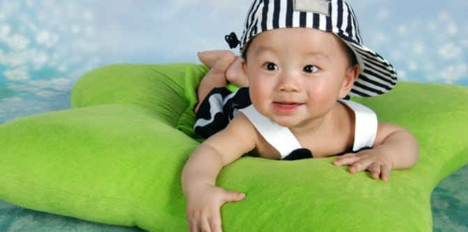 Baby development and milestones: your 8 month old