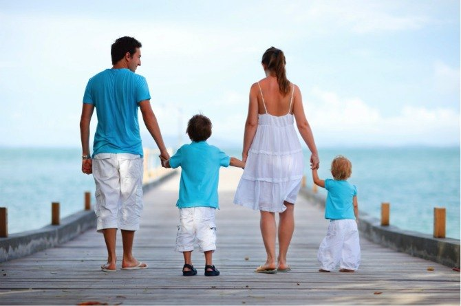 resort holidays family 5 Ways Singaporean families can save money on holiday destinations!