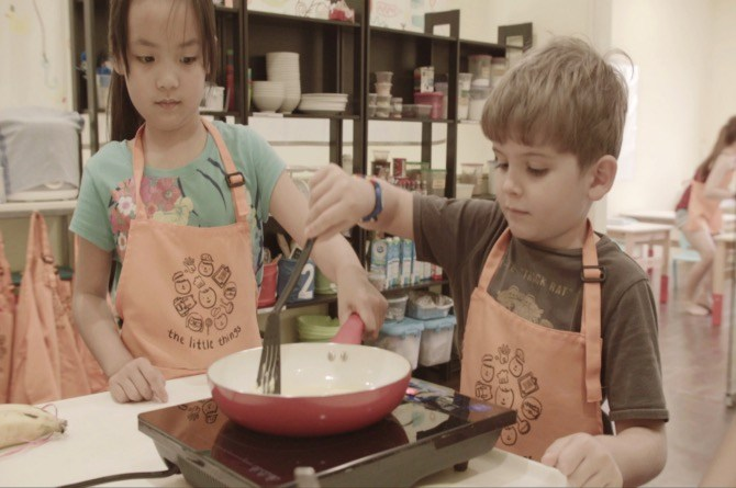 Cooking up a storm with The Little Things at Discover Me Holiday Camp (Image courtesy of Smarter Me)