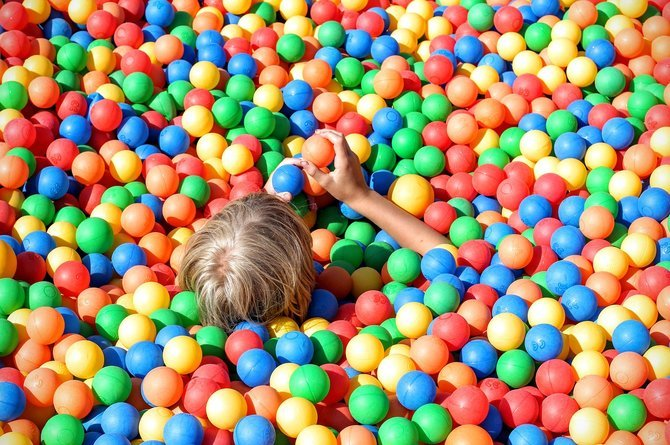rsz ball pit 1661374 1280 12 age appropriate toys your 12 18 month old will love