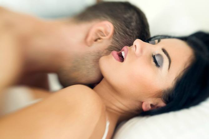 4 Loving ways hubbies can truly satisfy their wives in bed!