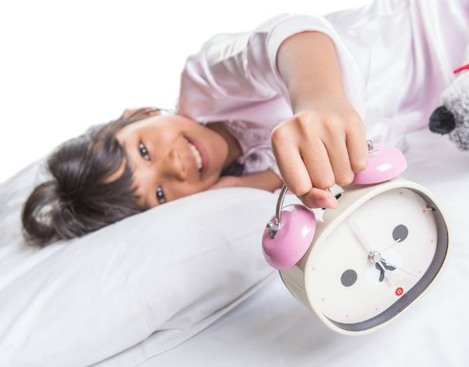 19858775 289287291544529 1718990575 n Children adopt bad sleeping habits from parents. Here's what you can do to make sure the whole family gets enough sleep.