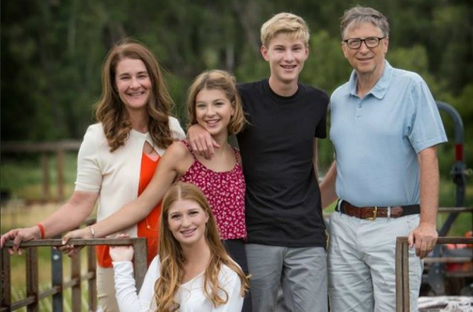 3 Secrets From Bill Gates' Parenting Method For Happier ... Bill Gates House And Family