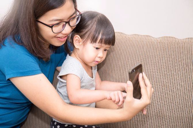 smartphone for mums