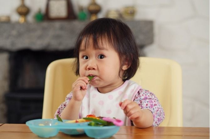 solids 2 Mums, here's a guide to introducing solids to your little one...