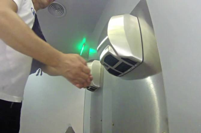 germs in hand dryers