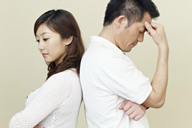 src=https://sg.theasianparent.com/wp content/uploads/2018/03/Fotolia asian couple fight.jpg 5 Subtle signs your husband might be gay