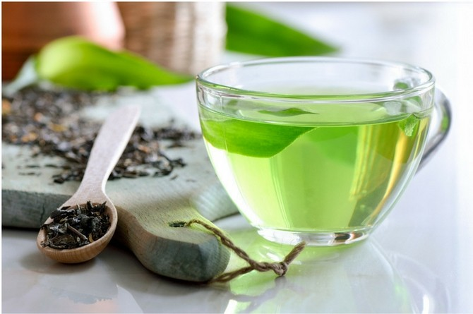 src=https://sg.theasianparent.com/wp content/uploads/2018/03/how to reduce belly fat green tea.jpg 7 scientifically proven ways to reduce belly fat
