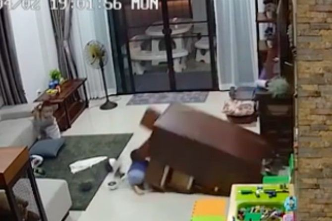 toddler crushed by a chest of drawers