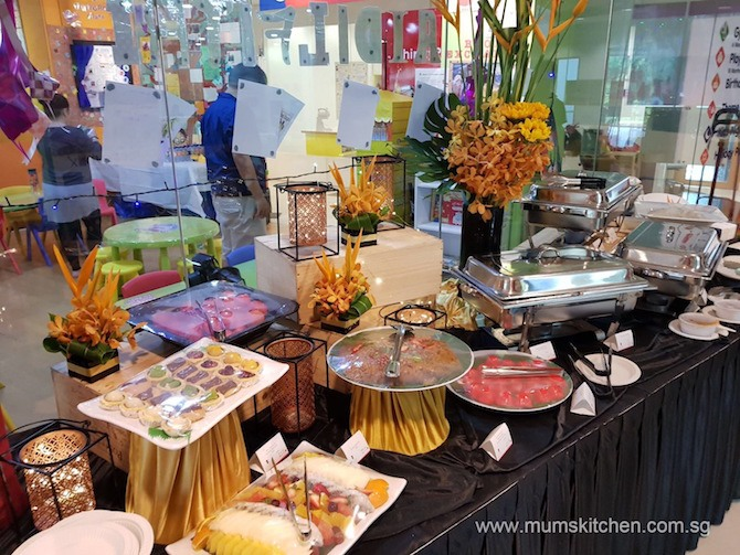 best catering service in singapore mum 39 s kitchen review. Black Bedroom Furniture Sets. Home Design Ideas