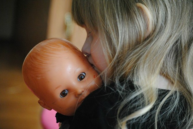 Kids Who Cradle Dolls On Their Left Side Have Better Social And Cognitive Skills