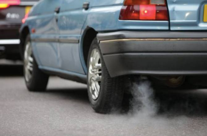 car exhaust Study finds that pollutants can cross into a pregnant mum's womb
