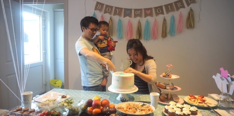 What To Do At A Gender Reveal Party: The Right And The Wrong