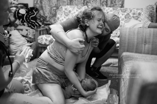 15 Astounding photos that offer a look at beautiful home births