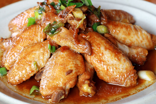 Chicken wings cooked with soya sauce