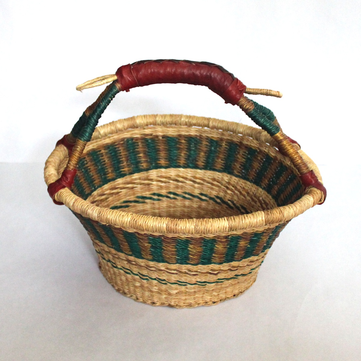 2. Dry fruits and nuts baskets
