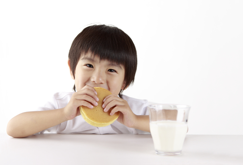 5 ways to get your child to eat breakfast