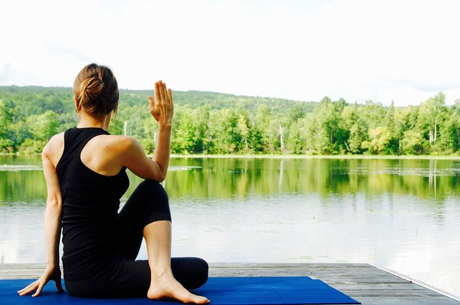 5 yoga poses to soothe back pain