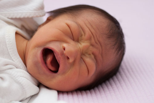 Ignoring your baby's cries can be harmful for his development