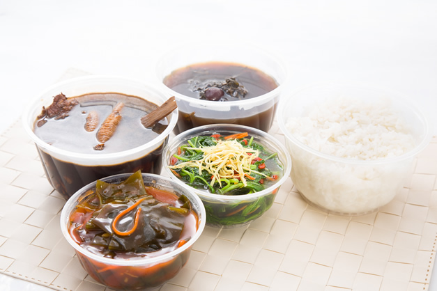 Vegetarian confinement caterers in Singapore